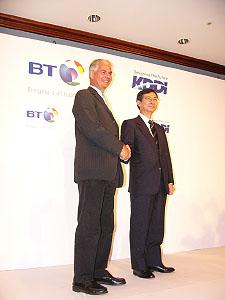 KDDIとBT、企業のグローバルネッ...