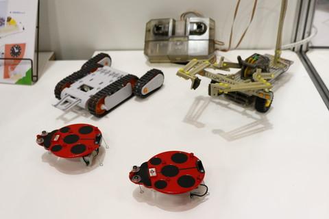 アームクローラー工作セット (2chリモコンタイプ) (工作キット) - ホビーサーチ 工具・塗料