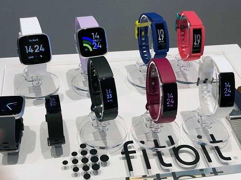 f8e581adbb Fitbit」が新発売、子どもの睡眠・運動を見守るウェアラブルデバイスが気 ...